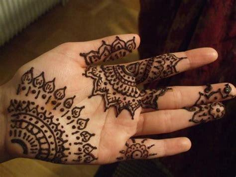 intricate pattern tattoo 50 intricate henna tattoo designs simple henna and palms