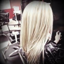 lowlight placement in bleached blond hair blonde hair with lowlights by kalee hair pinterest