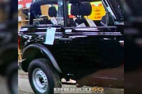 leaked  ford bronco caught uncovered carbuzz