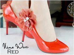 Sepatu Merk Nine West kode 479 000 heels15cm bahan kulitt gliter size size 36