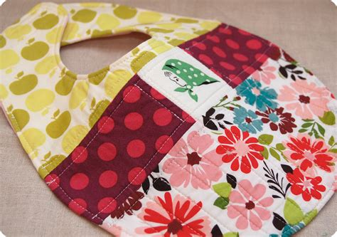 Quilted Baby Bibs Free Patterns by Quilted Patchwork Bib Pattern And Tutorial Sew She Sews S