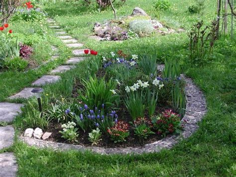 Backyard Flower Ideas 33 Beautiful Flower Beds Adding Bright Centerpieces To Yard Landscaping And Garden Design