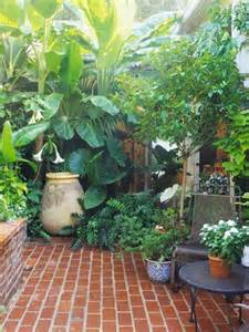 8 ways to make a small garden look big green pinterest small gardens gardens and a small
