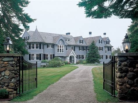 tour travolta and s shingle style home