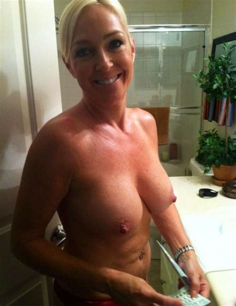 Inappropriate Naked Mom Selfies