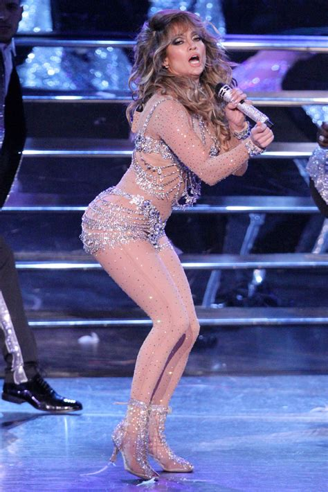 Jlo To Appear On Idol by Jlo Wows In Louboutin For American Idol Finale