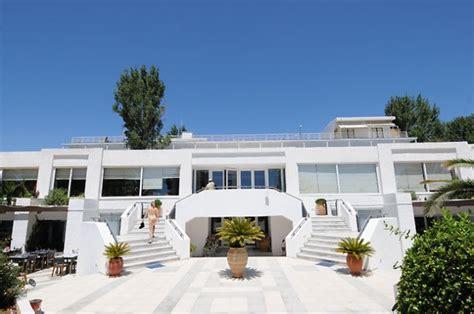 Hotel Grand Bleu Evia by Grand Bleu Resort Spa Eretria 3 Insula Evia Cazare