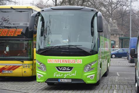 zoologischer garten flixbus dieser vdl futura mit dem kennzeichen cw ll 1122 steht am