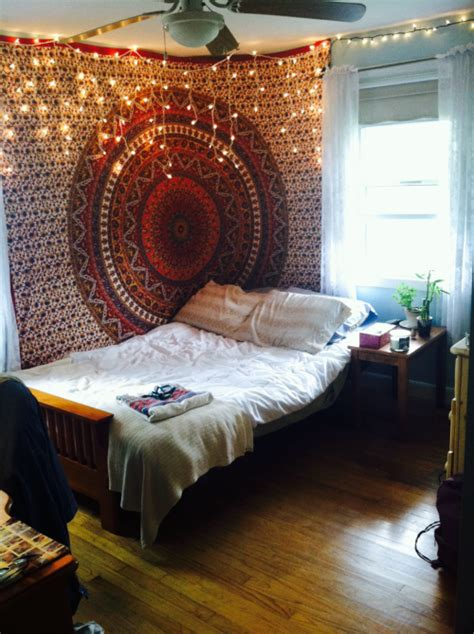 bedroom room tapestry