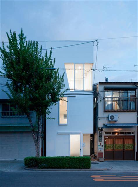 japan skinny house house in tamatsu waiting for the sun japanese