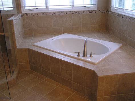 Bathroom Modern Small Corner Whirlpool Bath Tub In Corner Tub Bathroom Ideas