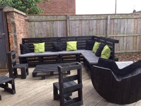 Sectional Made Out Of Pallets by Diy Pallet Sectional Sofa And Table Ideas Pallet