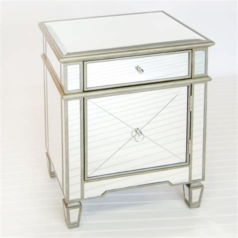 nachttisch verspiegelt worlds away mirrored claudette nightstand