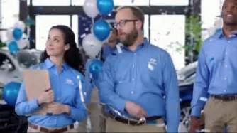 Who Is The In The Hyundai Commercial Hyundai Tv Commercial The Walking Dead Chop Shopspeech