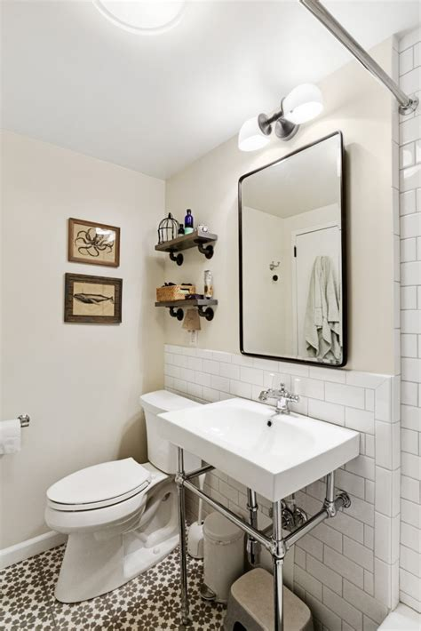 samantha bathroom photo an apartment for a party of four then five