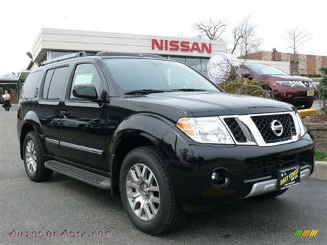 black nissan pathfinder 2011 nissan pathfinder le 4x4 in super black 605474