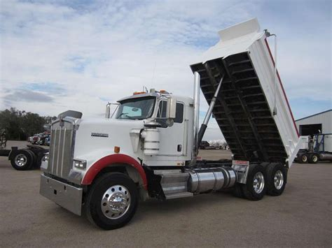 kenworth heavy duty trucks 2005 kenworth w900 heavy duty dump truck for sale 569 000