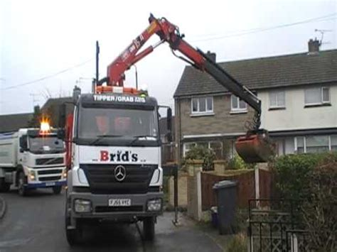brid s ltd grab load from a driveway in chesterfield