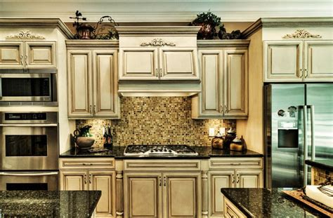 how to faux paint kitchen cabinets 25 best ideas about colored kitchens on