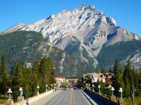 Car Rental Vancouver Banff Rocky Moutaineer Rail