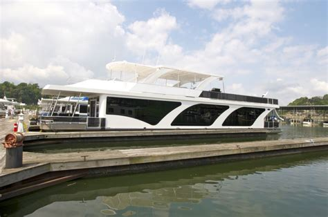 buy houseboat how to buy a houseboat houseboat magazine