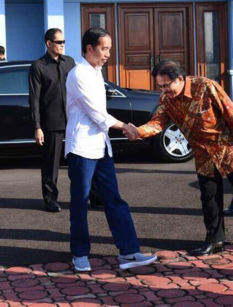 Sepatu Nike Jokowi mengulas sepatu nike lunarepic yang dipakai jokowi