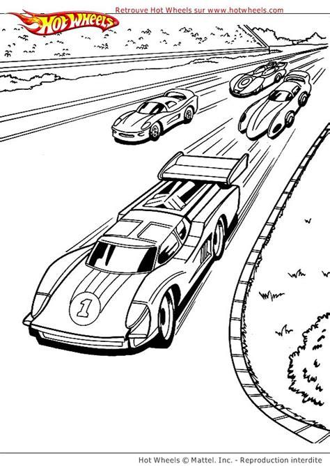image de quatre voitures de courses en comp 233 tition sur un
