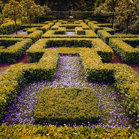 giardini vicino roma secret garden near rome the landriana gardens rome