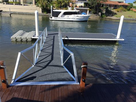 boat manufacturers gold coast pontoons piled pontoons strut pontoons cable