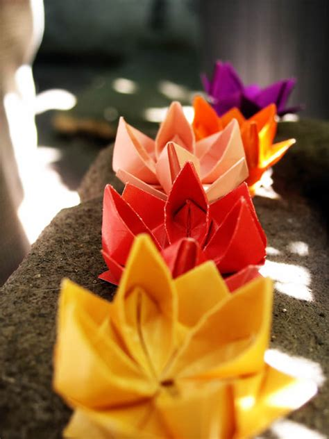 Lotus Flower Paper Folding - 40 pretty paper flower crafts tutorials ideas
