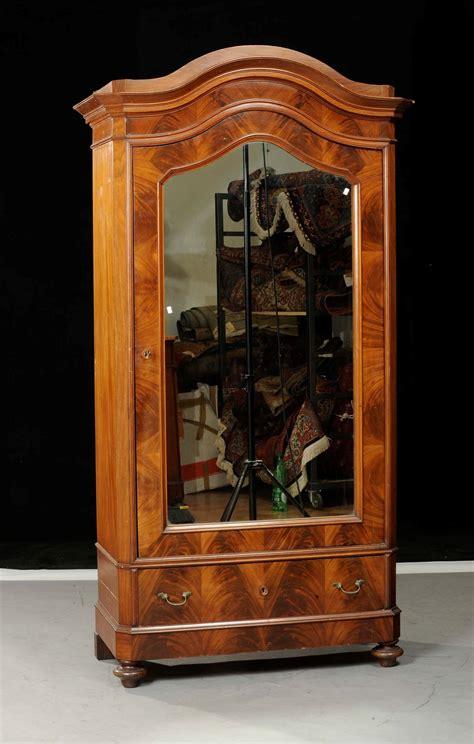 armadio a un anta armadio luigi filippo ad un anta a specchio xx secolo
