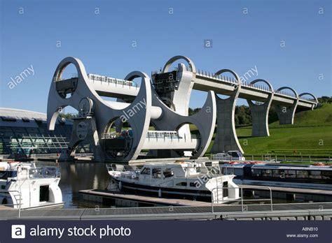 boat lift scotland falkirk wheel boat lift union canal falkirk west lothian