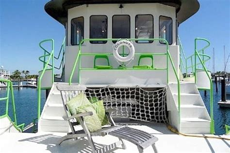 airbnb key west boat 17 best images about houseboats on airbnb on pinterest