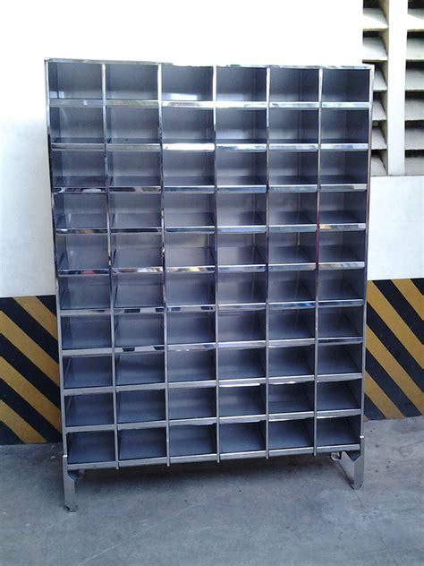 Rak Sepatu Stainless Steel rak sepatu pabrik dan mushola cabinet rak sepatu
