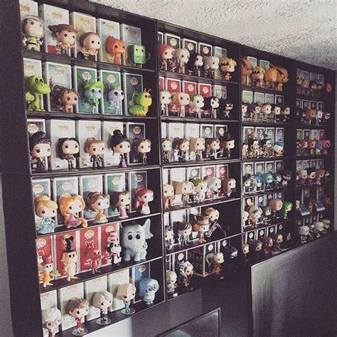 bobblehead wall display funko pop display shelf for lightweight vinyl toys