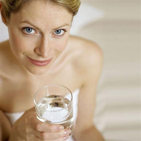 l hydratation de peau les gestes beaut 233 pour renforcer l hydratation de sa peau