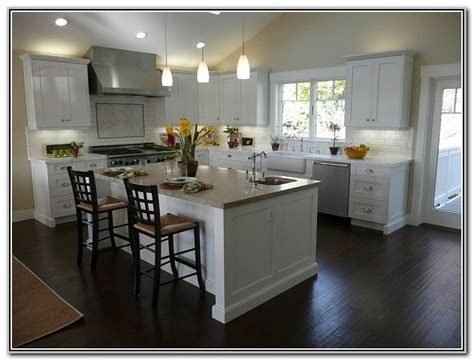 kitchens with white cabinets and dark floors white shaker kitchen cabinets dark wood floors kitchen