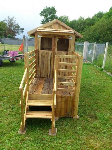 backyard playhouse ideas pallet playhouse projects for wood pallet ideas