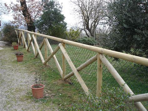 staccionata in legno per giardino amantini recinzioni staccionate