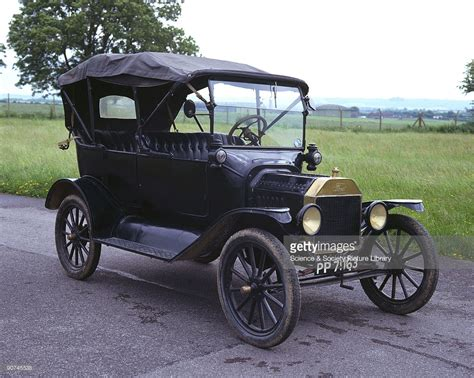 the ford model t was introduced by henry ford 1863 1947
