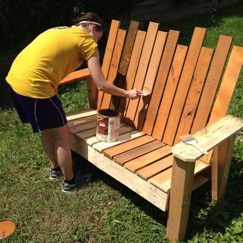how to make a bench from a pallet repurposed pallet into a do it yourself bench pictures