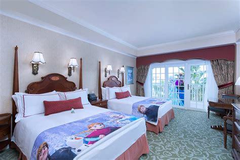 theme hotel hong kong 9 highlights activities at hong kong disneyland 10th