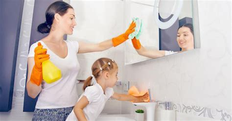 Wash The Bathroom by 4 Steps To Get Your To Help Clean The Bathroom