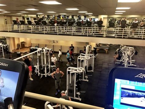day care los angeles best gyms with day care for in los angeles 171 cbs los angeles