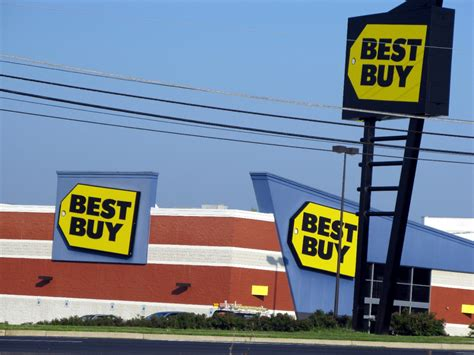 besta buy best buy defies everyone s expectations is mysteriously
