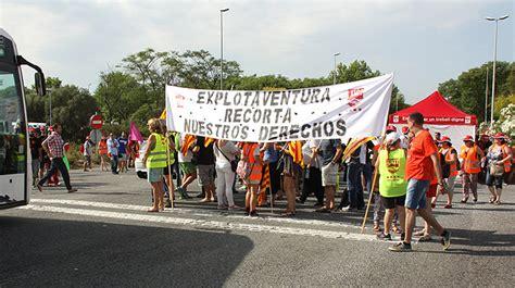 imagenes de trabajadores temporales una huelga de trabajadores ralentiza el acceso a port aventura