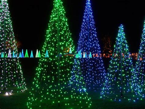 bellingrath gardens christmas lights 10 gardens that glitter with holiday lights garden
