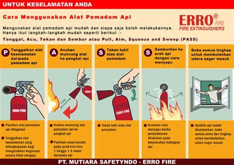 cara menggunakan alat pemadam apar tabung pemadam api praktikum penggunaan apar alat pemadam api ringan bem
