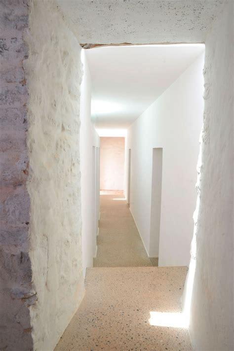 Mur En Pierres Apparentes by Mur En Apparente Mobilier En Bois Et Plafond En