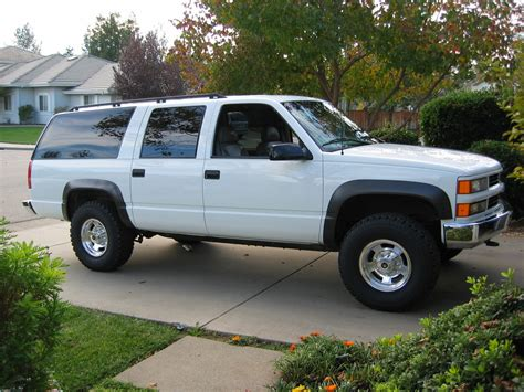 how it works cars 1997 chevrolet suburban 2500 parking system 1997 chevrolet suburban overview cargurus